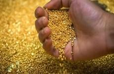 Giá vàng châu Á đi xuống trước sự khởi sắc của thị trường chứng khoán