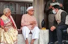 Cụ ông 98 tuổi người Ấn Độ mắc COVID-19 hồi phục thần kỳ nhờ yoga