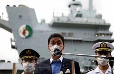 Bộ trưởng Quốc phòng Nhật Bản Nobuo Kishi thăm tàu sân bay Anh