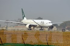 Chuyến bay thương mại quốc tế đầu tiên hạ cánh xuống sân bay Kabul