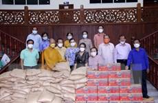 Chư tăng ni, Phật tử Việt Nam tại Lào cùng dân sở tại chống dịch