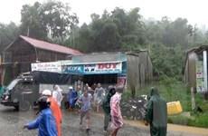 Sạt lở bất ngờ ở huyện Nam Trà My, nhiều hộ dân phải sơ tán
