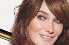 Cựu đệ nhất phu nhân Pháp Carla Bruni quảng cáo cho Bulgari