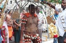 Singapore: Rùng mình với lễ hội hành xác Thaipusam của người Hindu