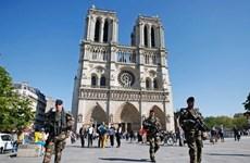 [Video] Pháp bắt giữ hai nghi phạm tấn công nhà thờ ở Villejuif