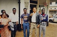[Photo] Thời trai trẻ của Tổng thống Obama ở Kenya năm 1987