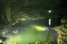 Đưa tour khám phá Xuyên Sơn Hồ-động Phong Nha vào khai thác