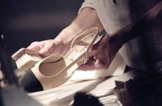 Đôi giày Chanel hai tông mở cuộc cách mạng cho đôi chân phái đẹp