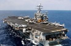 Hải quân Iran bắn thử nhiều quả rocket ngay sát tàu sân bay Mỹ