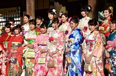 [Photo] Rực rỡ sắc màu kimono trong Lễ trưởng thành ở Nhật Bản