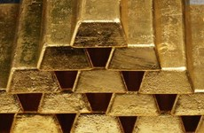 Giá vàng châu Á khởi sắc do thị trường tài chính đi xuống