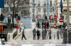 Giao thông quốc tế tới Brussels ngưng trệ, an ninh được siết chặt