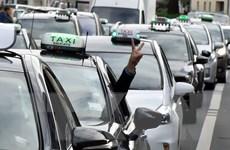 Nhiều sân bay cân nhắc áp dụng kiểm tra vân tay lái xe Uber