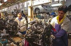 Hoạt động chế tạo ở Trung Quốc tăng lần đầu tiên trong chín tháng