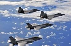 Mỹ triển khai tiêm kích F-22 trấn an đồng minh NATO ở Đông Âu