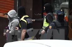 Tây Ban Nha dẫn độ một đối tượng tình nghi khủng bố về Pháp