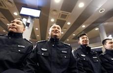 Cảnh sát Trung Quốc tham gia tuần tra các điểm du lịch ở Italy