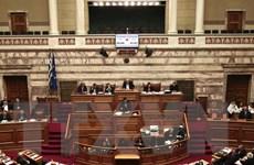 """Quốc hội Hy Lạp thông qua gói """"thắt lưng buộc bụng"""" mới"""