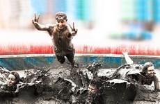 [Video] Hàng trăm nghìn người đổ về lễ hội tắm bùn lớn nhất thế giới