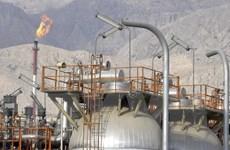 Giá dầu châu Á tăng nhưng vẫn đối mặt với sức ép nguồn cung thế giới