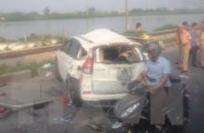 [Video] 5 người tử vong trong vụ tai nạn ôtô va chạm tàu hỏa