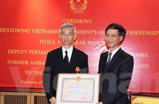 Trao tặng Huân chương Hữu nghị cho nguyên Đại sứ Thái Lan tại Việt Nam