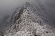 """[Photo] Vạn Lý Trường Thành """"trắng bạc đầu"""" do tuyết phủ kín"""
