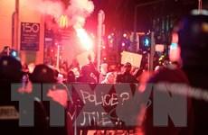 """Tổng thống Pháp kêu gọi """"công lý"""" cho thanh niên da màu bị bạo hành"""