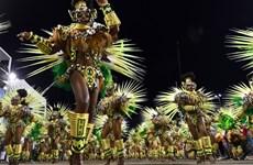 [Photo] Tận hưởng bữa tiệc đường phố sôi động nhất Nam Mỹ