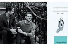 Tiffany & Co. đưa hình ảnh cặp đôi đồng tính trong quảng cáo mới