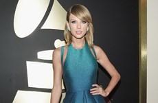 """Muôn vẻ thời trang được các """"sao"""" phô diễn trên thảm đỏ Grammy 2015"""