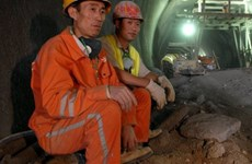 Trung Quốc cấm công dân làm việc tại khu định cư ở Bờ Tây