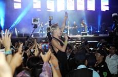 """[Photo] Dàn sao biểu diễn """"cực bốc"""" trong đêm thứ 2 Monsoon festival"""