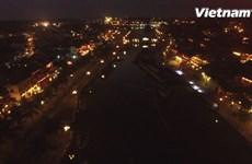 [Video] Ngắm nhìn phố cổ Hội An lung linh huyền ảo về đêm từ trên cao