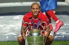 Bayern Munich đồng ý bán tiền vệ Thiago Alcantara cho Liverpool