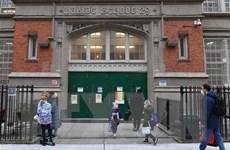 Dịch COVID-19: Các trường tiểu học ở New York mở cửa trở lại