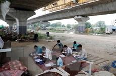 Kêu gọi khẩn cấp đưa trẻ em ở các quốc gia nghèo quay lại trường học