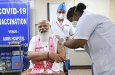 Ấn Độ: Thủ tướng Narendra Modi tiêm vắcxin phòng dịch COVID-19