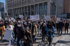 Làn sóng tuần hành chống nạn kỳ thị người gốc Á lan sang Canada