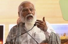 Thủ tướng Ấn Độ kêu gọi người dân đi tiêm vaccine và thận trọng
