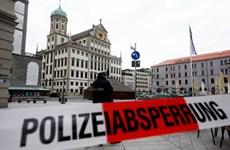 Ba Lan: Khoảng 40 tòa nhà tại thủ đô phải sơ tán vì bị đe dọa đánh bom
