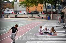 Dịch COVID-19: CDC Mỹ khuyến nghị tiếp tục đeo khẩu trang ở trường học