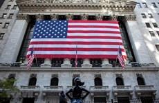 Phố Wall giảm điểm phiên 18/5 do nhóm cổ phiếu viễn thông mất giá