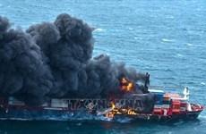 Sri Lanka xử lý vụ cháy tàu biển gây hậu quả môi trường nghiêm trọng