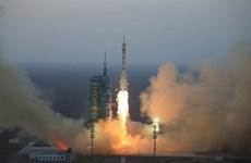 Trung Quốc: Sứ mệnh đầu tiên đưa phi hành đoàn lên trạm không gian