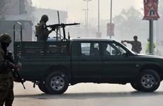 Xả súng nhằm vào xe chở giáo viên ở miền Tây Nam Pakistan