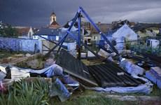 Lốc xoáy và mưa đá gây thiệt hại nặng nề tại Cộng hòa Séc