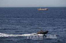 Cơ quan an ninh hàng hải Anh nghi một tàu bị cướp biển tấn công