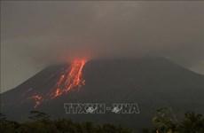 Indonesia: Núi lửa Merapi phun tro bụi bay xa tới 3,5km