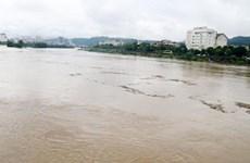 Lũ quét cuốn trôi và nhận chìm nhiều tàu cá tại thị xã La Gi
